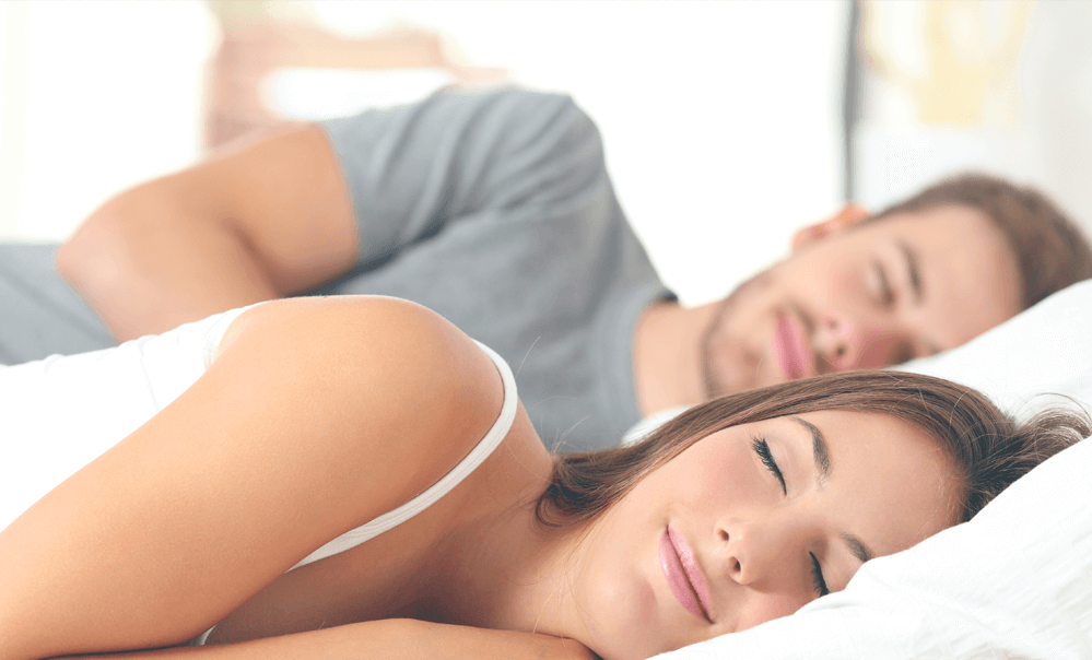 couple-in-bed